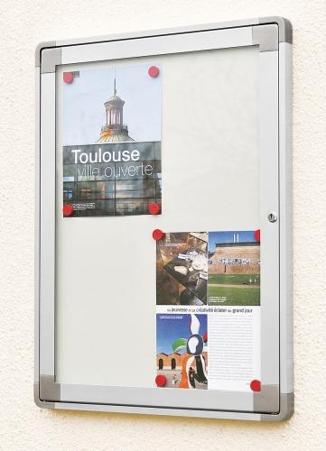 Vitrine d'exposition Frame Out, vitrines d'extérieur